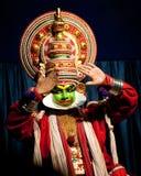 Ator indiano que executa a dança tradicional Kathakali Índia, Kerala Imagens de Stock
