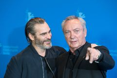 Atores Joaquin Phoenix e Udo Kier durante Berlinale 2018 imagens de stock