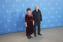 Atores Mikhail Aprosimov e Feodosia Ivanova durante o 68th Berlinale fotos de stock