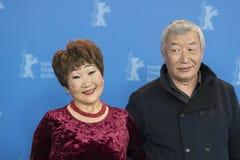Atores Mikhail Aprosimov e Feodosia Ivanova durante o 68th Berlinale imagens de stock