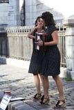 Atores parisienses da rua imagens de stock royalty free