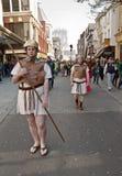 Atores que jogam os soldados romanos imagem de stock royalty free