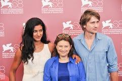 Atores Stanislas Merhar, Aurora Marion e Chantal Akerman fotos de stock royalty free