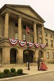 Atores vestidos como pais e senhoras da confederação em Charlot fotografia de stock royalty free
