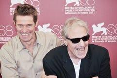 Atores Willem Dafoe e diretor Abel Ferrara fotografia de stock royalty free