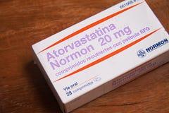 Atorvastatin är en van vid statinläkarbehandling förhindrar den kardiovaskulära sjukdomen royaltyfria foton
