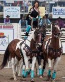 Atos de SureShot - irmãs, rodeio 2011 de Oregon Imagem de Stock