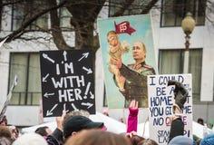 Atout de bébé et affiche de Poutine - mars des femmes - Washington DC Image stock