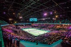 Atp-världen turnerar den inomhus tennisbanan och stadion Royaltyfri Fotografi