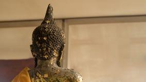 Atrás da Buda coberta com alguma folha de ouro Imagem de Stock