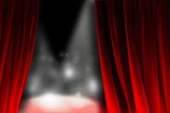 Atrás da cortina que olha uma fase de brilho Foto de Stock Royalty Free