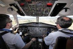 ATR客舱飞行中着陆aprox 库存照片