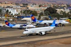 ATR 72-200 авиакомпаний Israir стоковые фотографии rf