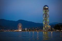 A atração original de Batumi é a torre do alfabeto foto de stock