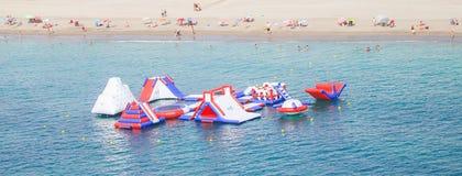 Atração que flutua no mar, AlmerÃa, Espanha Fotos de Stock Royalty Free