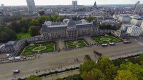 Atração turística na opinião aérea de Bruxelas Royal Palace, parada filme