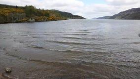 Atração turística popular britânica de Loch Ness Escócia vista da bandeja de Augustus do forte video estoque