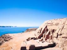 Atrações de Egito pirâmides, camelos e ruínas imagem de stock