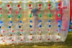 Atracción inflable del agua en el parque imagen de archivo