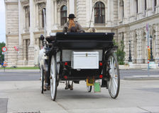 Atracción turística de Viena, paseo del fiaker dentro de la ciudad Fotografía de archivo
