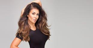 Atractive brunetki damy pozować Obrazy Royalty Free