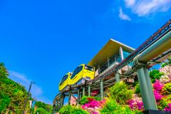 Atrakcje Turystyczne Z tramwajami Biega Przy Pocheon sztuki doliną, Korea zdjęcie stock