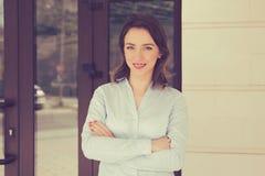 Atrakcyjna agent nieruchomości kobieta Zdjęcie Royalty Free