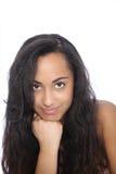 Atrakcyjna Azjatycka Indiańska dziewczyna z ręką na jej podbródku zdjęcia stock