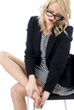 Atrakcyjna Biznesowa kobieta Z Bolesnymi ciekami Zdjęcie Stock