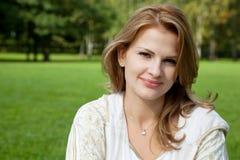atrakcyjna blondynów atrakcyjny kobieta obraz stock