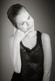 Atrakcyjna caucasian kobieta w jej 30 odizolowywającym na a Zdjęcie Royalty Free