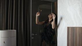 atrakcyjna dancingowa kobieta zbiory