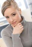 Atrakcyjna dziewczyna zbliżenie portret Fotografia Royalty Free