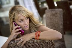 atrakcyjna kobieta telefon. Obraz Stock