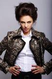 atrakcyjna kurtki skóry kobieta fotografia royalty free