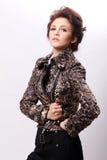 atrakcyjna kurtki skóry kobieta zdjęcia stock