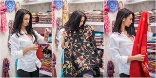 Atrakcyjna młodej kobiety moda strzelająca w centrum handlowym Piękna modna młoda dama w białej koszula w robić zakupy teren Obraz Royalty Free