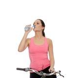 atrakcyjna roweru brunetki kobieta Fotografia Stock