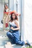 Atrakcyjne kobiety na budowie Zdjęcie Royalty Free