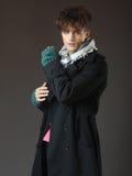 Atrakcyjnej młodej samiec wzorcowy pozować w studiu Fotografia Royalty Free