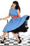 Atrakcyjnej Seksownej Szczęśliwej Młodej rocznik szpilki Wzorcowy Pozować W Retro polki kropki sukni Zdjęcie Stock