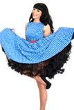 Atrakcyjnej Seksownej Zuchwałej Młodej rocznik szpilki Wzorcowy Pozować W Retro polki kropki sukni Zdjęcia Royalty Free