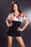 atrakcyjni piękni brunetki sukni potomstwa Zdjęcia Stock
