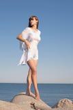 atrakcyjni seashore kobiety potomstwa Zdjęcie Stock