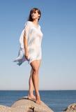atrakcyjni seashore kobiety potomstwa Fotografia Royalty Free