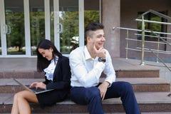 Atrakcyjni ufni ludzie, Kaukaska chłopiec i azjata dziewczyny entrep, Zdjęcia Stock