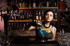 Atrakcyjny barman Fotografia Royalty Free