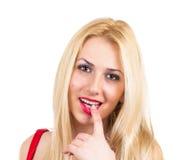 Atrakcyjny blondynki ono uśmiecha się Obrazy Stock