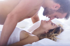 Atrakcyjny heartbreaker i jego kochanek fotografia royalty free