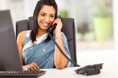 Atrakcyjny indyjski recepcjonista Obraz Stock